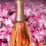 Perfume J´Adore de Dior y una edición especial con cuello de oro