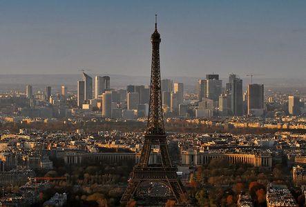 800px-panorama_paris_december_2007