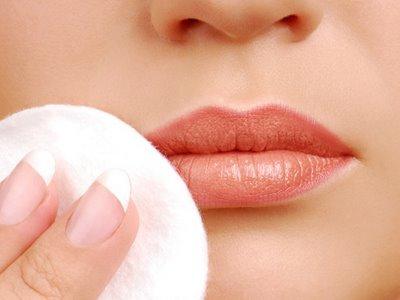 belleza-tips-para-quitar-maquillaje-460x345-la
