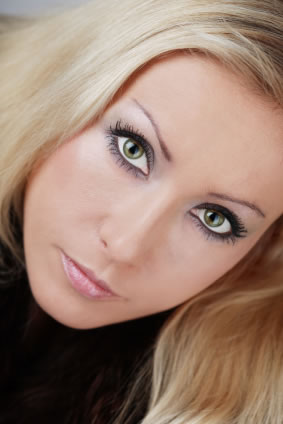 woman-with-smoky-eyes2