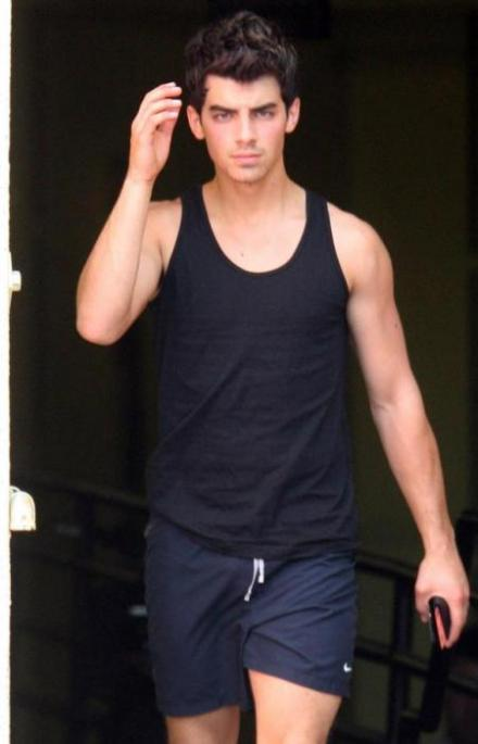 joe-jonas-sexy-haircut-picture