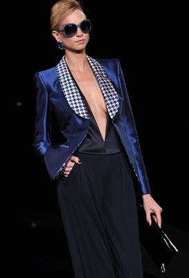 FASHION-ITALY-WOMEN-ARMANI