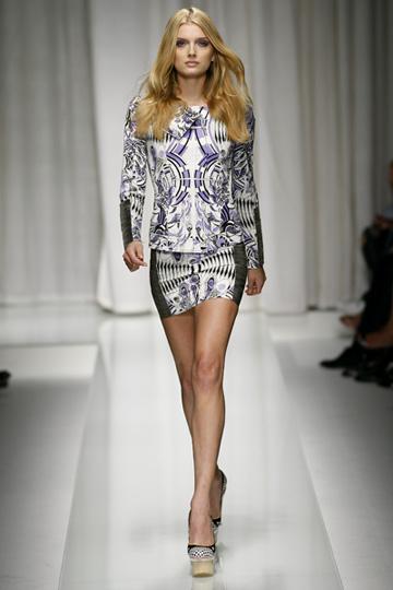 Versace-primavera-verano-2010-2