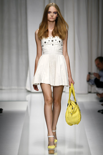 Versace-primavera-verano-2010-3