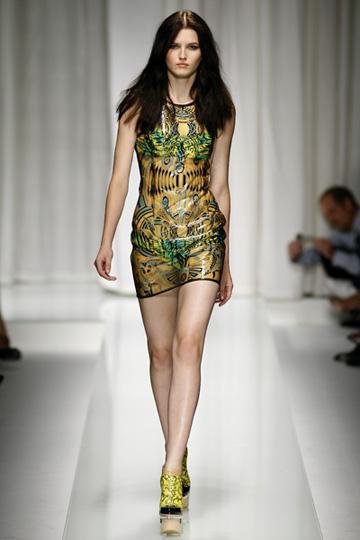 Versace-primavera-verano-2010-5