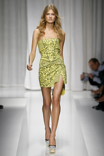 Versace-primavera-verano-2010