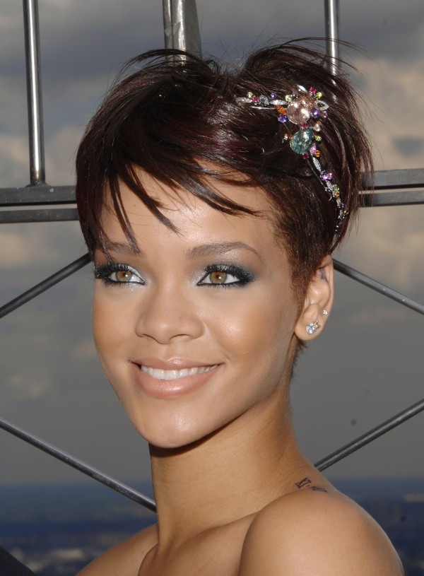 Rihanna Lights Empire State Building
