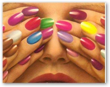 que los tonos oscuros tienden a achicar el tamaño de las uñas