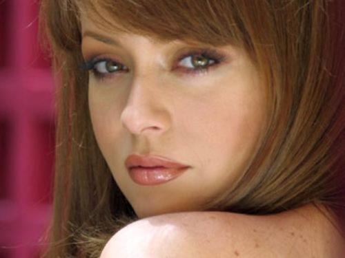 Actriz mexicana de novelas envenenada por su fan número 1
