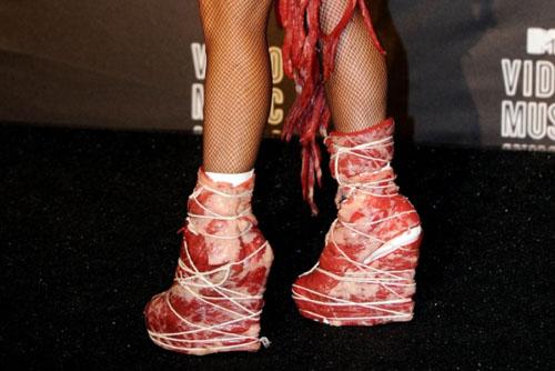 lady-gaga-zapatos-carne