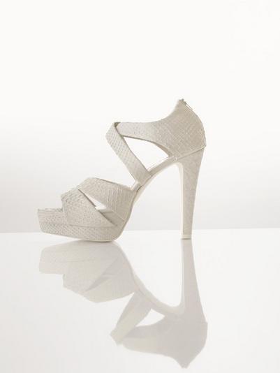zapatos de novia clara