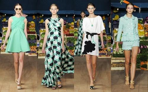 verde-agua, color-verano-2012-2013- moschino