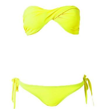 bikini-nelly