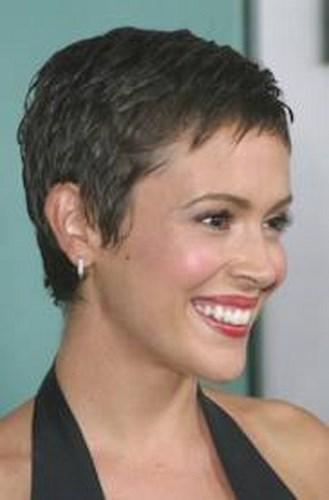 Pixie el corte de pelo corto para todos los tipos de rostro